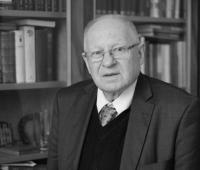 Pieminot LFB Goda biedru, akadēmiķi Jāni Stradiņu